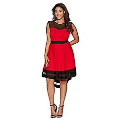 Quiz - Curve red and cream mesh dip hem dress