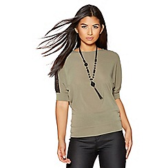 Quiz - Khaki lace shoulder detail light knit necklace top