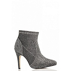 Quiz - Grey textured pointed ankle boots