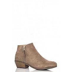 Quiz - Taupe faux suede zip detail boots