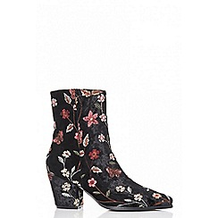 Quiz - Black floral embroidered pointed ankle boots