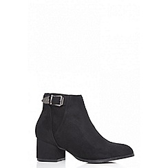 Quiz - Black faux suede western buckle detail heeled ankle boots