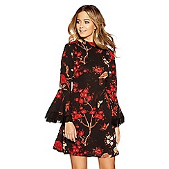 Quiz - Black and red crepe oriental print frill dress