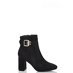 Quiz - Black faux suede buckle ankle boots
