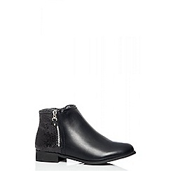 Quiz - Black glitter back ankle boots