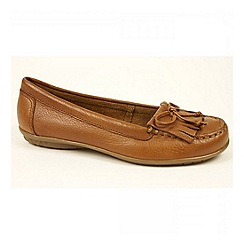 Hush Puppies - Tan 'Ceil Mocc' moccasin with fringe an tassel