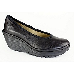 Fly London - Black 'Yalu' court shoes
