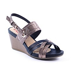 Heavenly Feet - Black 'Tania' wedge sandals