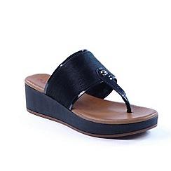 Heavenly Feet - Black 'Elise' wedge toe post