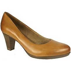 Tamaris - Tan court shoes in muscat leather