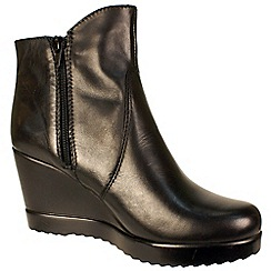 Tamaris - Black leather wedge boot with inside zip