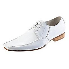 Front - White nik fr670 formal shoes