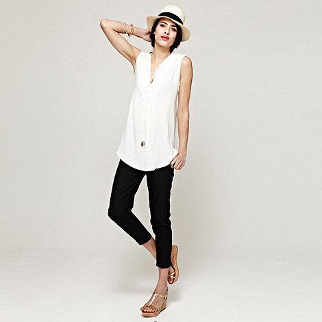 HotSquash - Black capri trousers in Clever fabric