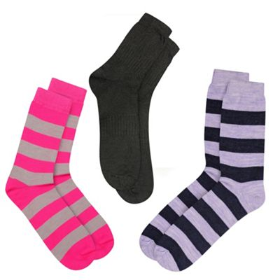 3 Thin Thermal Socks That Fit In Your Shoes