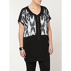 Evans - Live unlimited zip front top