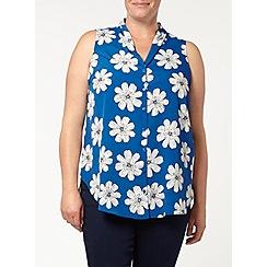 Evans - Daisy print sleeveless shirt