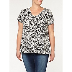 Evans - Mono floral gather v-top