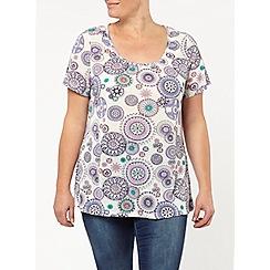 Evans - Ivory circular geo print t- shirt