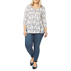Evans - Ivory busty fit butterfly print top