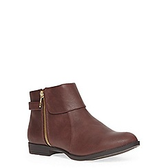 Evans - Extra wide red berry foldover zip ankle boots