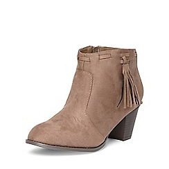 Evans - Extra wide fit taupe tassel ankle boots
