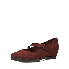 Evans - Berry suedette hidden wedge