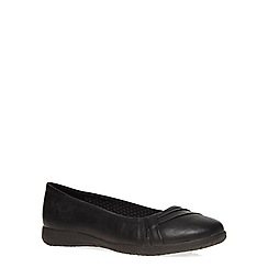 Evans - Extra wide fit black pleat comfort pumps