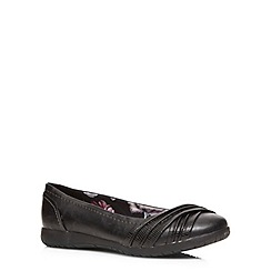 Evans - Extra wide fit black lizard trim pumps