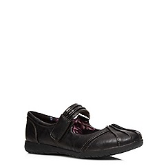 Evans - Extra wide fit black lizard strap pumps