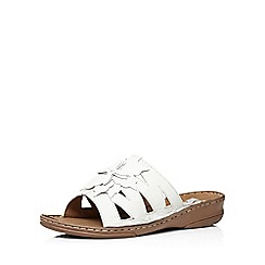 Evans - Extra wide fit white leather flower sandal