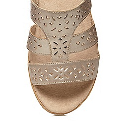 Evans - Extra wide fitgold leather mule sandal