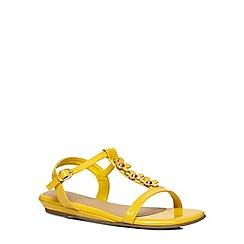 Evans - Extra wide fit yellow patent flower sandals