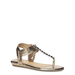 Evans - Extra wide fit pewter metal trim toe post sandals