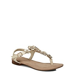 Evans - Extra wide fit tan flower trim sandal