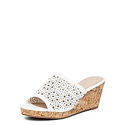Evans - Extra wide fit white punch out wedges