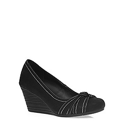 Evans - Extra wide fit black contast stitch wedge