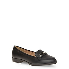 Evans - Extra wide fit black metal trim loafer