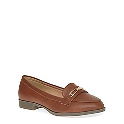 Evans - Extra wide fit tan metal trim loafer