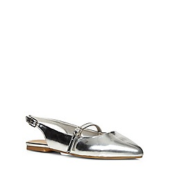 Evans - Extra wide fit silver patent point strap pump