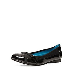 Evans - Black patent sporty pumps