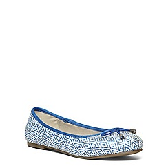 Evans - Extra wide fit blue raffia ballerina pump