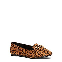 Evans - Extra wide fit leopard suedette chain slipper