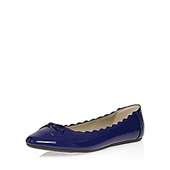 Evans - Extra wide fit blue patent scallop ballerina pump