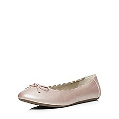Evans - Extra wide fit pink shimmer scallop ballerina pump