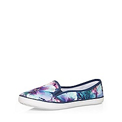 Evans - Extra wide fit blue floral print skater shoe