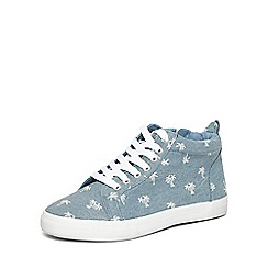 Evans - Extra wide fit blue palm tree print high top trainers