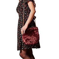Yumi - Red faux fur party bag