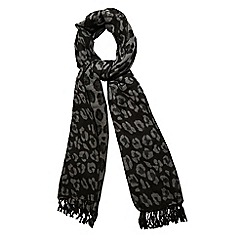 Yumi - Black leopard print winter scarf