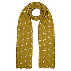 Yumi - Green Gold Feather Printed Scarf