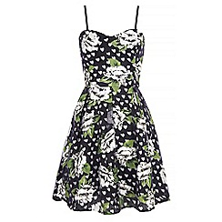 Iska - Black floral heart print prom dress